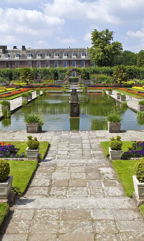 Garden with lake and plants at Kensington Palace