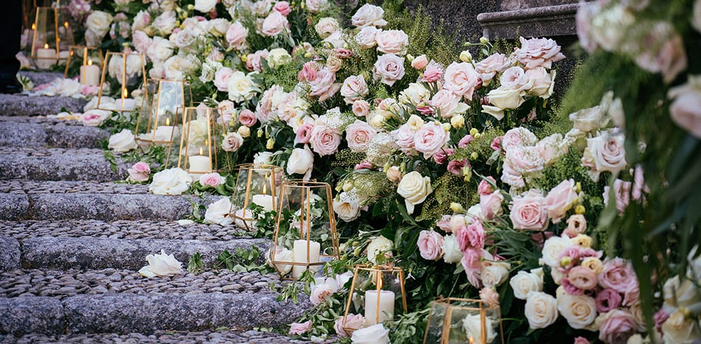 Fresh white and pink wedding flowers