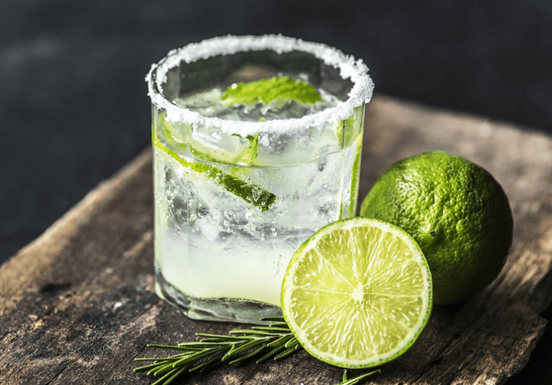 Inspired refreshing lime cocktail for a luxury party